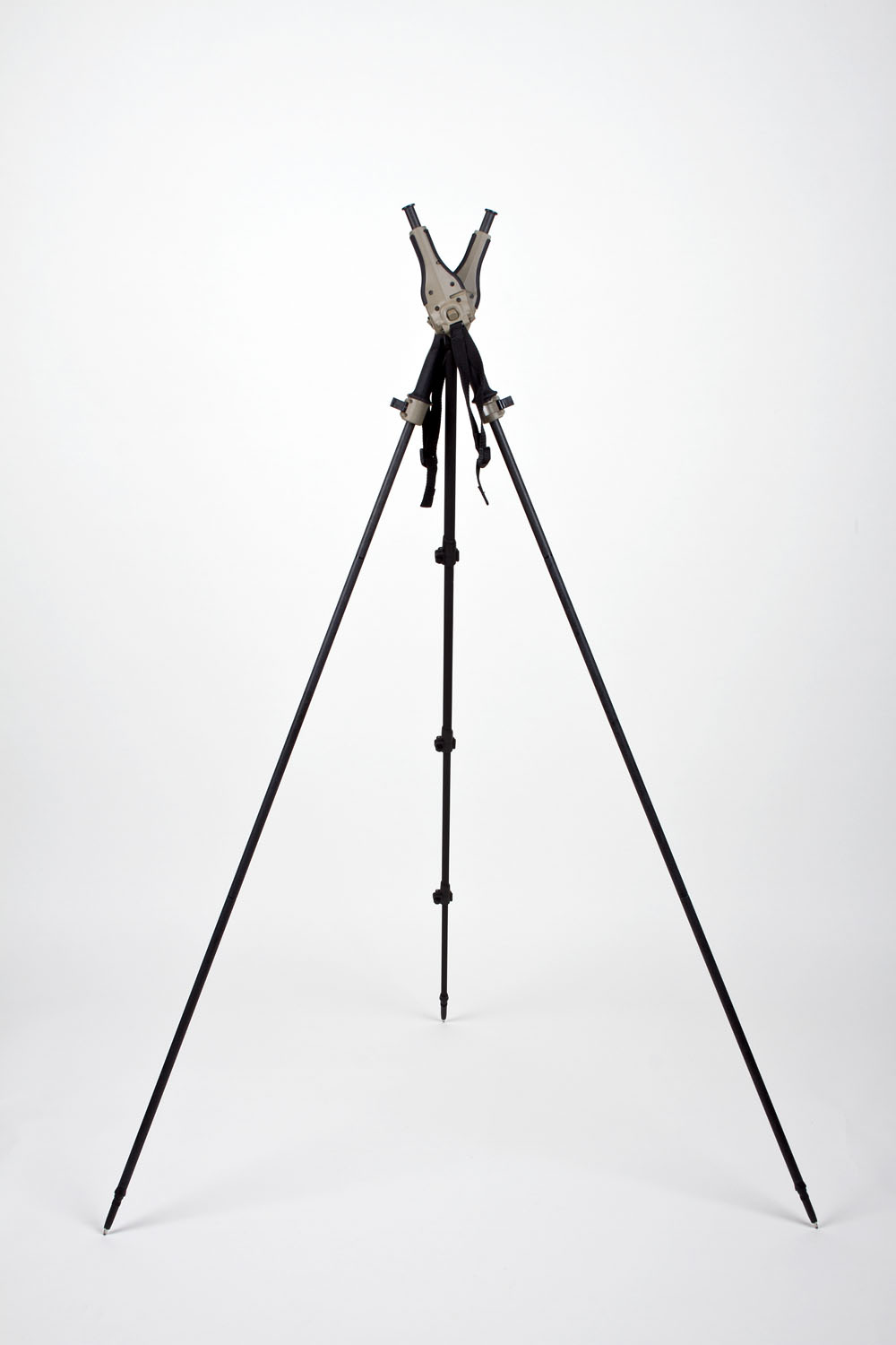 The only rifle Tripod to support every shooting position from standing to prone with just the squeeze of a button! Quick, quiet, lightweight and versatile. Get on target fast and make final adjustments with your support hand in its natural shooting position for your gun. Keep looking thru your sights and stay on target as you quickly adjust your rest with little body movement. With the STEALTHPOD X™ MONOPOD you are Ready for Every Shot™. Converts to a trekking pole to get you in and out of the back country away from the crowd.